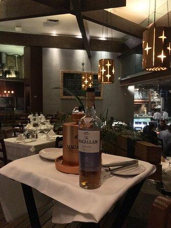 Sagrantino: Excelentes anfitriones alimentos y bebidas felicidades !!  Buena platica de Macallan con Jonhath
