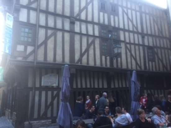 La Villa De La Paix : Troyes old town