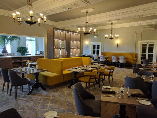 The Hydro Hotel: 1881 Restaurant
