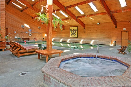 Moclips, WA: Indoor Pool, Hot Tub, Sauna, Exercise Room, Tanning and Massage at Cedar Serenity Spa