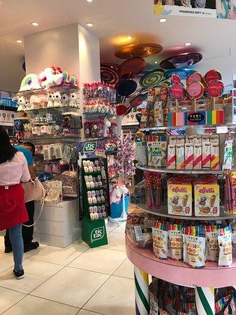 Dylan's Candy Bar : photo3.jpg