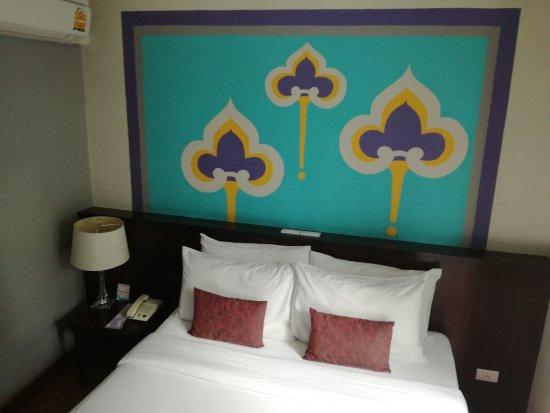 Sawasdee Hotel @ Sukhumvit Soi 8: IMG_20170928_125030_large.jpg