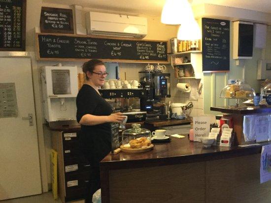 เบลสซิงตัน, ไอร์แลนด์: Making coffee.