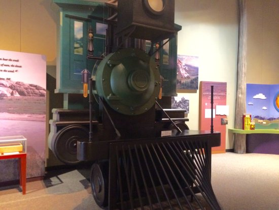 National Historic Trails Interpretive Center: The train West