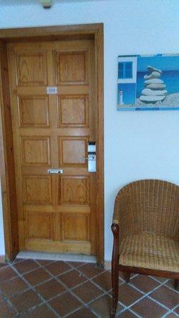 El Pinar Aparthotel: Room 222 superior sea view studio - Sept 2017