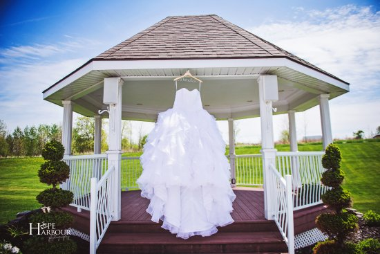 Best Western Plus Mariposa Inn & Conference Centre : Gazebo, we can do anything for Weddings.