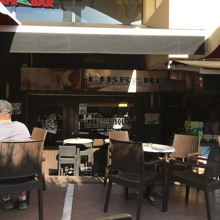 Restaurante la libreria en marbella con cocina otras for Cocinas marbella