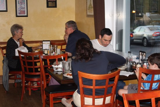 Southbury, Κονέκτικατ: Our customers enjoying the new dining room