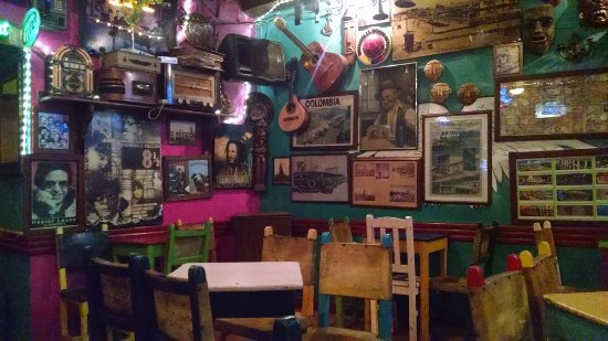Foto de salsa quiebra canto cartagena el lugar cuando for Tomar algo en barcelona noche