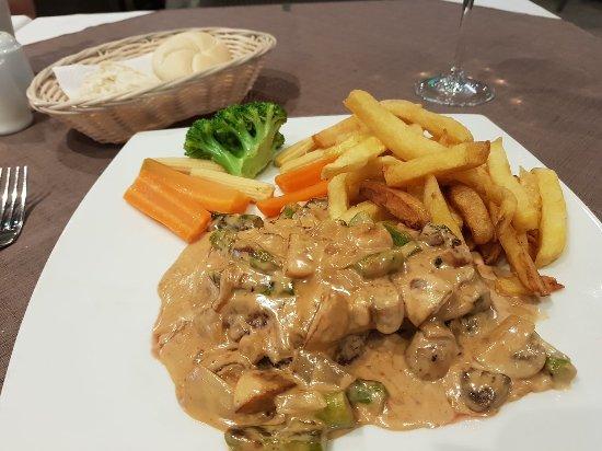 Olive Tree Restaurant : Jack Daniels flambé fillet steak