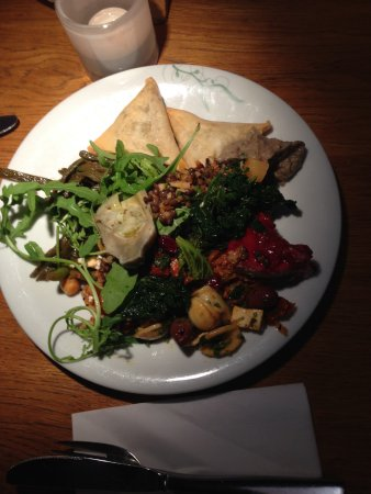 tibits: A typical dinner of various vegan/vegetarian a la carte dishes.