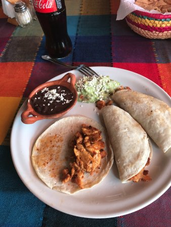 Tequila y Salsa Brava: chicken tacos and an ice cold coke (no ice required so no worries about getting sick)