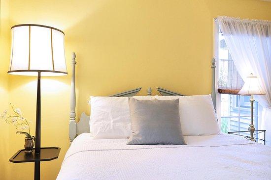 Saugatuck, MI: bedroom Jan's Cottage