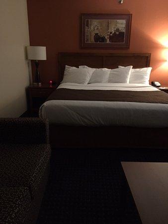 AmericInn Lodge & Suites Cedar Rapids Airport : King Room 3rd Floor