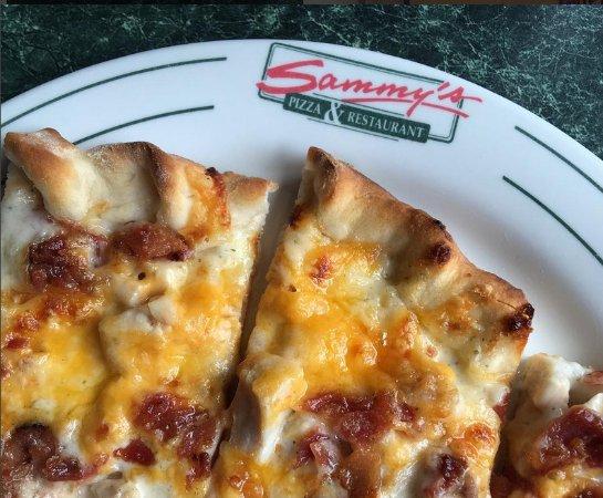 Cloquet, MN: Sammy's Pizza - Chicken Bacon