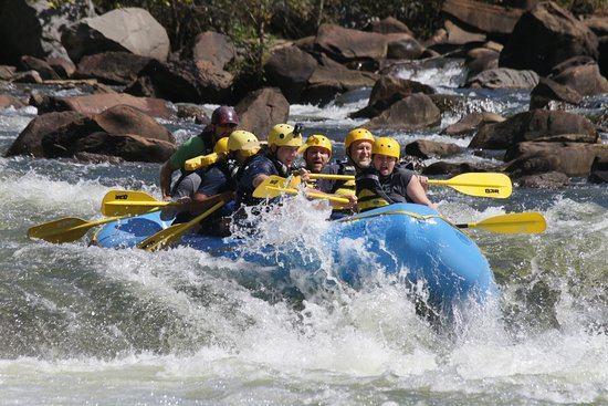 Ocoee, Τενεσί: Us going down a set of rapids.
