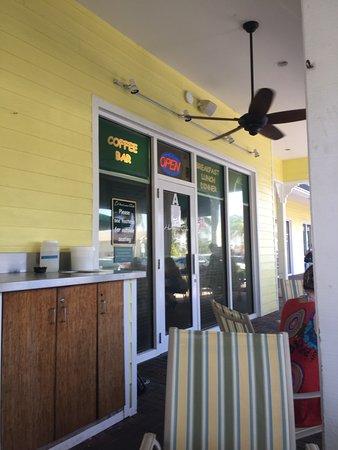 Juno Beach, FL: Outdoor seating