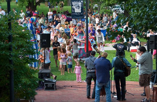 Caldwell, WV: Outdoor Concerts