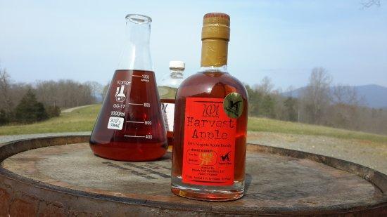 Faber, VA: Woods Mill Distillery