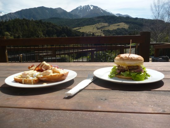 Mt Lyford Lodge: spectacular views..