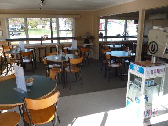 Cheviot, Nueva Zelanda: indoor /outdoor dining