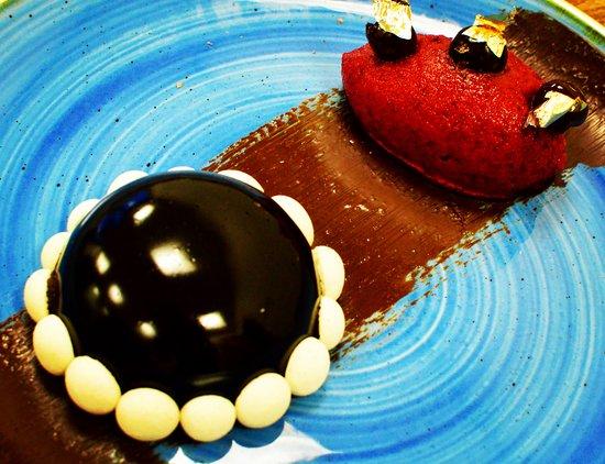 210 Bistro : Opera Cake