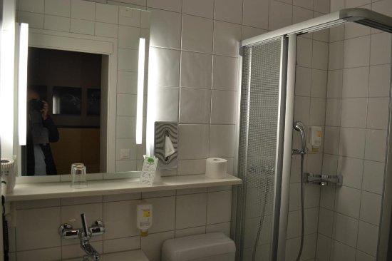 Bristol Hotel Zürich: Bathroom