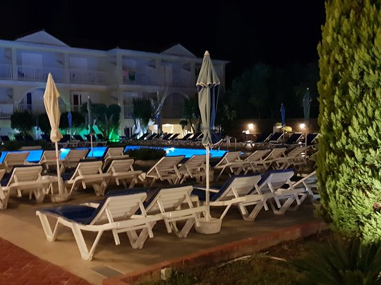 Filoxenia Hotel: 20170917_220926_large.jpg