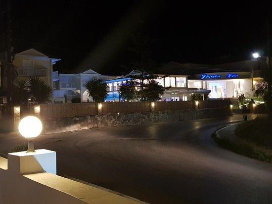 Filoxenia Hotel: 20170917_220922_large.jpg