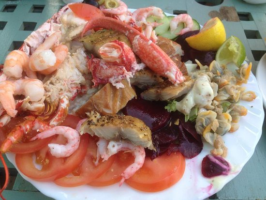Cookie's Crab Shop: Seafood Salad