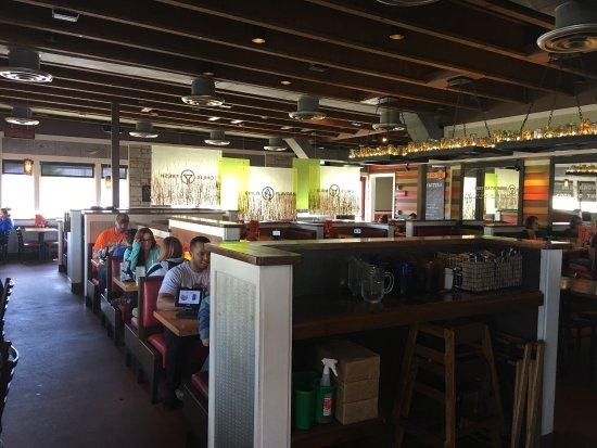 Chili S Grill Bar Photo1 Jpg