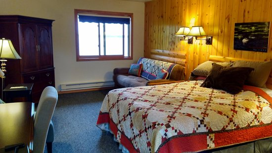Kabetogama, MN: Lodge room