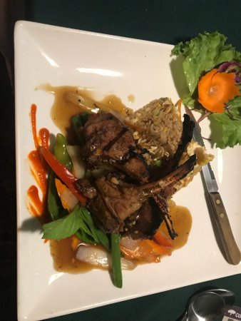 Jutamas Thai Restaurant : Our favorite place the lamb chop and beef tenderloin are to die for !!!