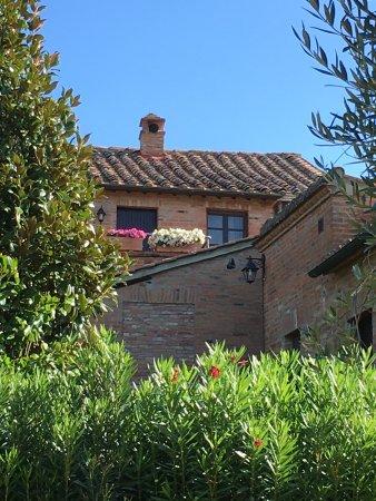 Borgo Tre Rose Photo
