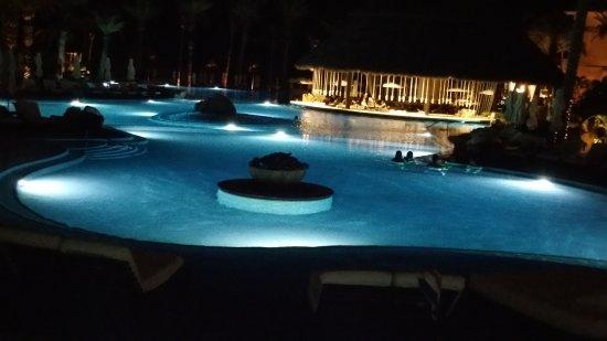 Cabo Azul Resort: 20170923_210002_large.jpg