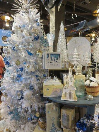 cracker barrel christmas in september in the country store - Christmas In The Country