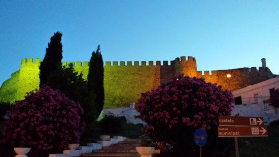 Castelo da Rainha Santa Isabel
