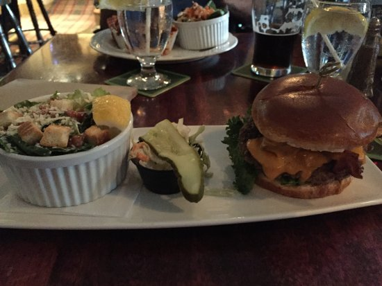 The Waring House: The County Burger at the Barley Room
