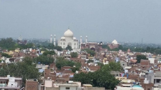 The Gateway Hotel, Agra: View from the roof top bar/restaurant