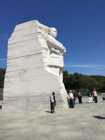 D.C Daily Tours: Martin Luther King Jr. Memorial