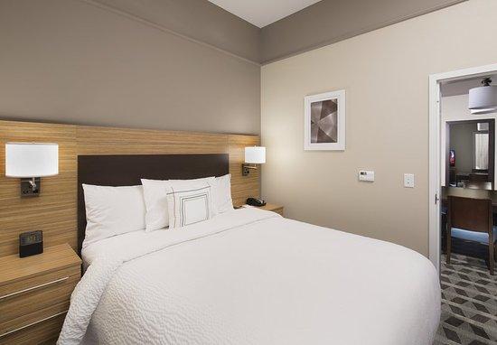 Swedesboro, NJ: One-Bedroom Suite