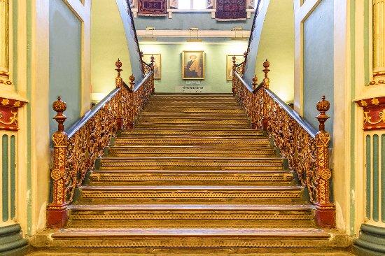 Bhau Daji Lad Museum: Stairs