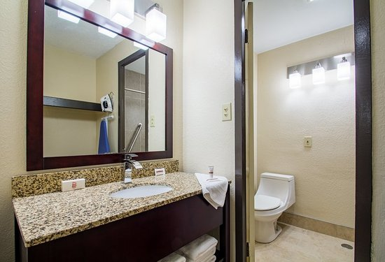 Batavia, NY: Bathroom
