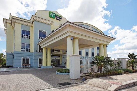 Trincity, Trinidad: Entrance