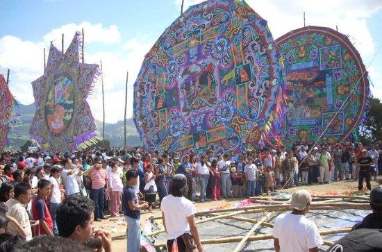 Dag van de Doden Giant Kite Festival ...