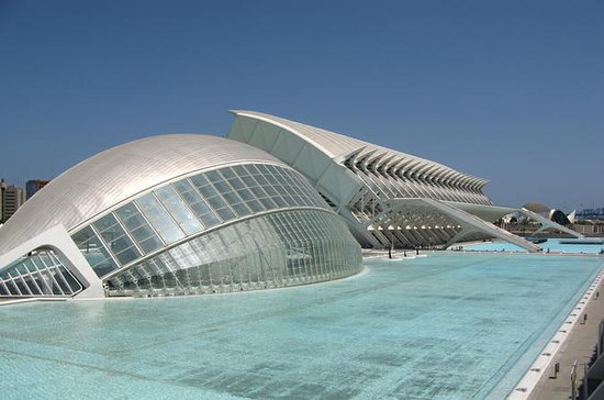 Discover Valencia from Madrid by High...