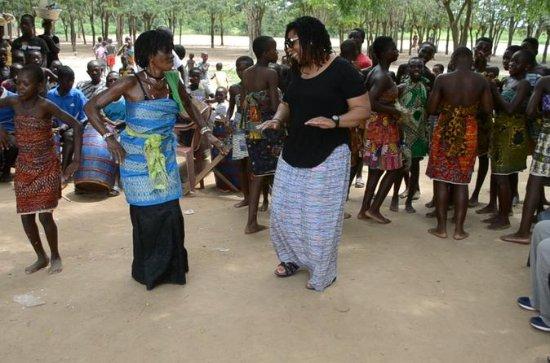 Een rondreis door het Ghanese dorp
