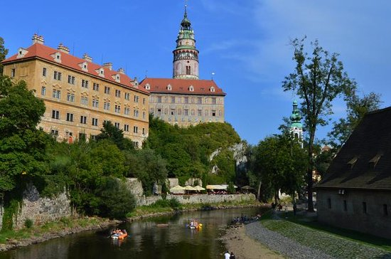 Vienna to Prague (week guided privat...