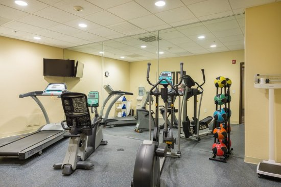 Chowchilla, CA: Work out in our well-equipped Fitness Center