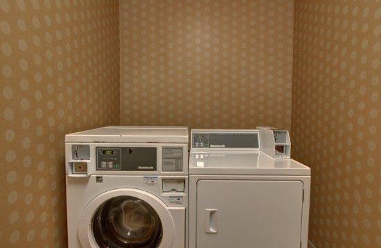 Altus, OK: Laundry Facility